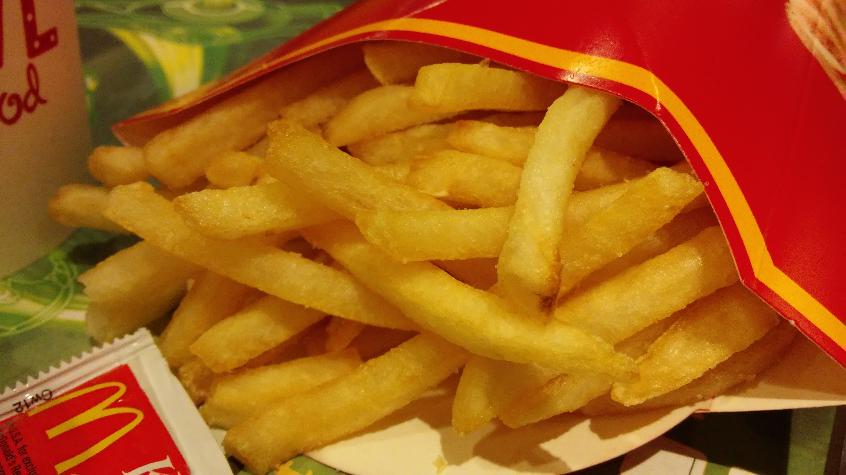 HK_Kln_Bay_Telford_Plaza_McDonalds_Restaurant_food_French_fries_Nov-2014_LG2